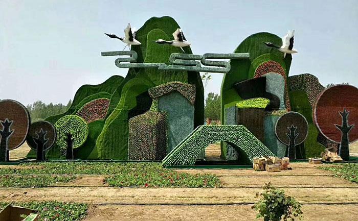 定制仿真绿雕的正规施工方案